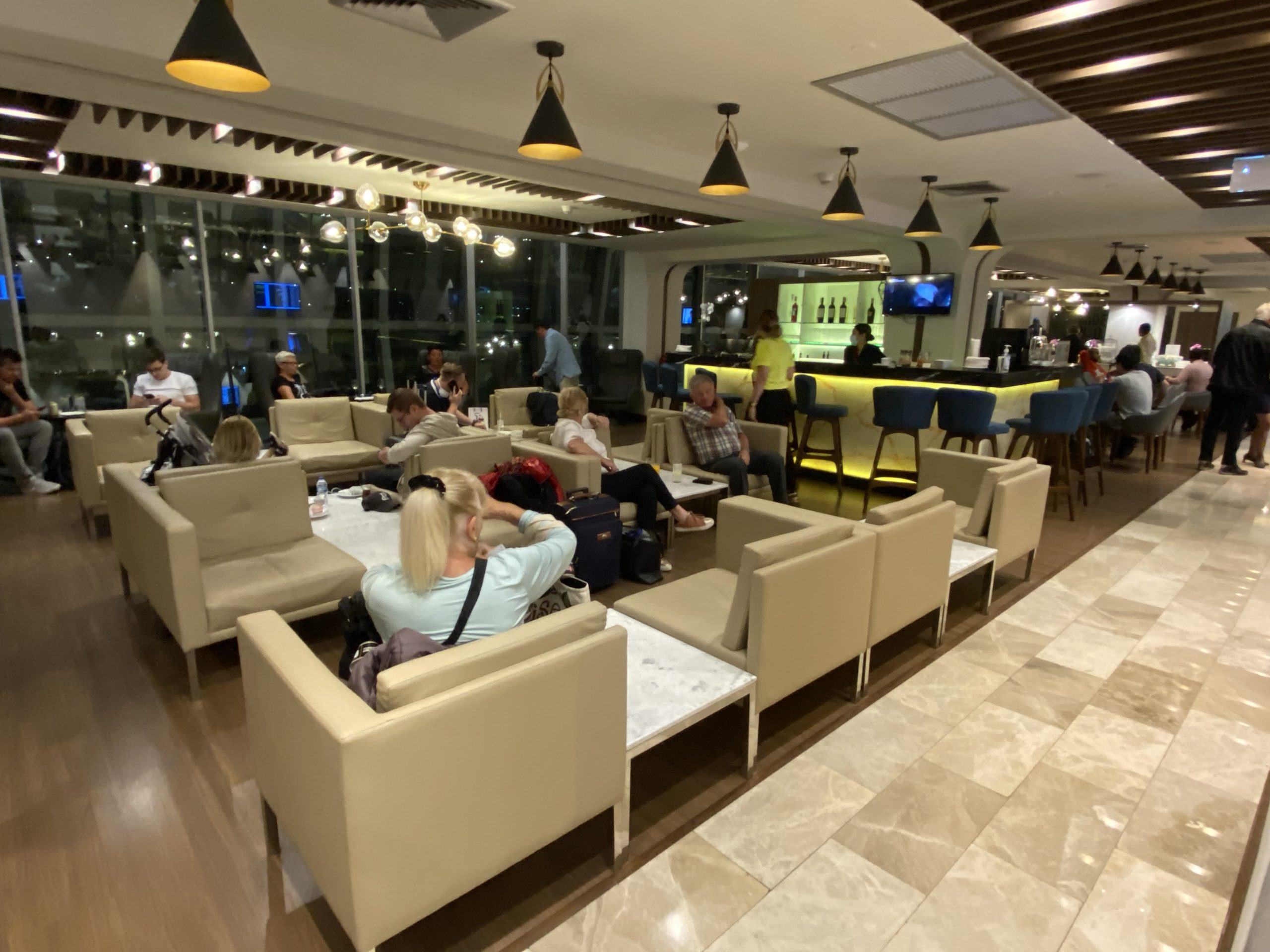 【無料も可】プライオリティ・パスの概要&使える4つの空港ラウンジを解説【タイ バンコク スワナプーム空港編】